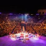 Andrea Bocelli śpiewa Elvisa Presleya, czyli bajkowe show, które wydarzyło się w mieście Romea i Julii