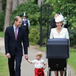 Stylowa i elegancka Kate na chrzcie księżniczki Charlotte