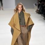 Moda na wielbłądzie płaszcze