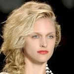 Trendy fryzur: Odświętny warkocz