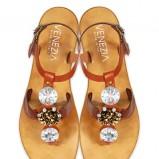 Sandały i klapki Venezia na lato 2011