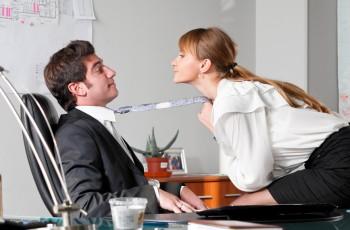 Seks-pozycje na wesoło: W pracy