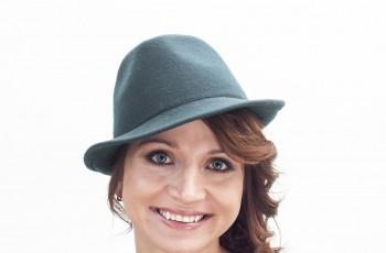 Jesienne upięcia pod kapelusze - Romantyczny warkocz