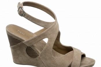 Sandały i klapki dla niej - Deichmann na wiosnę i lato 2011