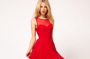 Ognista czerwień - wieczorowe sukienki 2013