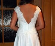 Sukienka ślubna na poprawiny krótka koronkowa