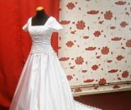 s125 Suknie ślubna US Kelsi 34-36