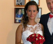 Piękna suknia ślubna - przód krótki, tył długi!
