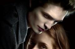 """""""Zmierzch"""" - drapieżna historia o miłości nie z tego świata"""