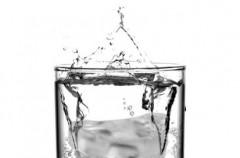 Drink z lodową szczęką