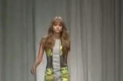 Versace wiosna/lato 2010 - pokaz kolekcji damskiej
