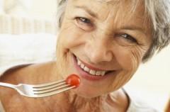 Jak powinien wyglądać jadłospis seniorki?