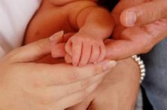 Zimne rączki u niemowlęcia