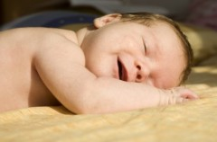 Spokojny sen noworodka i niemowlęcia