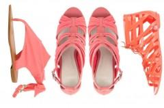 Kolorowe klapki i sandały na lato 2010