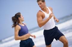 Wspólne ćwiczenia na plaży