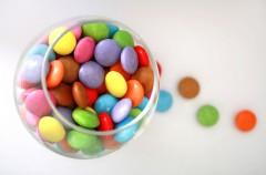 Czerwień Allura w słodyczach - powód do zmartwienia?