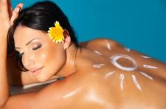 Bezpieczne opalanie - dermatolog radzi