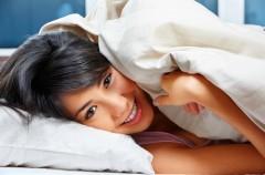 Brak snu może powodować tycie - ekspert radzi