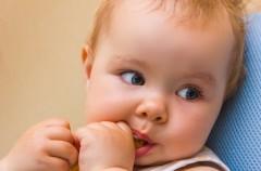 BLW - pozwól dziecku jeść samu!