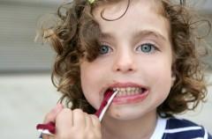 Co powinno jeść dziecko, by uniknąć próchnicy?