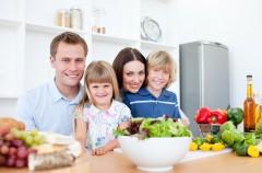 Jak zadbać o właściwe nawyki żywieniowe rodziny?