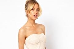 Sukienki bez ramiączek - idealne na lato 2013!