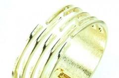 Modne Bransoletki - gustowna ozdoba dłoni