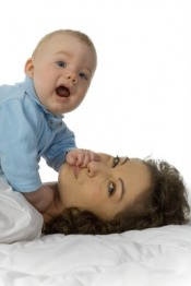 Bawiąc ucz i rozwijaj swoje niemowlę