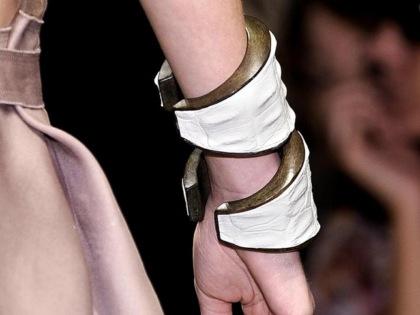 Maxi bransolety - trend na wiosnę/lato 2010