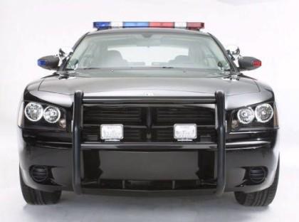 Szpilki od Opla, Lamborghini albo policji...