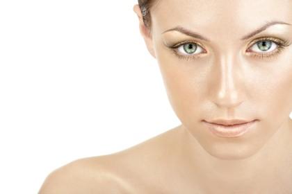 Czym usunąć kobiecy wąsik?