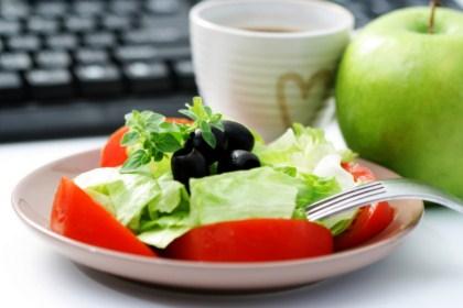 Zdrowe i lekkie przekąski w pracy