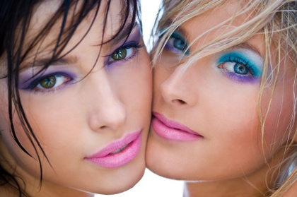Niebezpieczny makijaż nastolatek