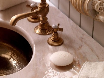 Łazienka jak z Wersalu od Savio Firmino