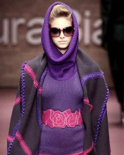 Moda na paski w talii
