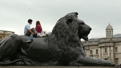 Spacer po szarym Londynie