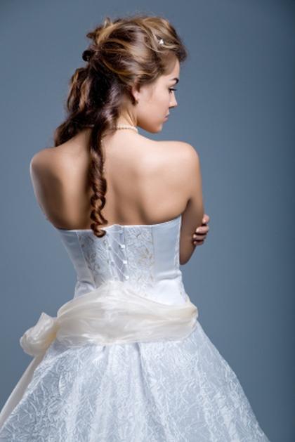 Fryzury ślubne: zrób to sama