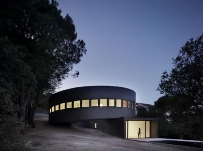 Dom jak bunkier