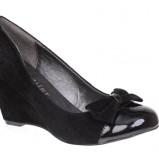 Zdj�cie 37 - Damskie obuwie CCC na jesie� i zim� 2009/2010