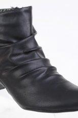 czarne botki CCC - trendy na jesie�-zim�