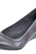 czarne pantofle CCC - sezon jesienno-zimowy