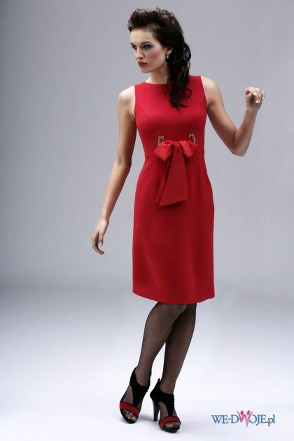 czerwona sukienka wieczorowa Modesta z kokardą - jesień/zima 2010/2011