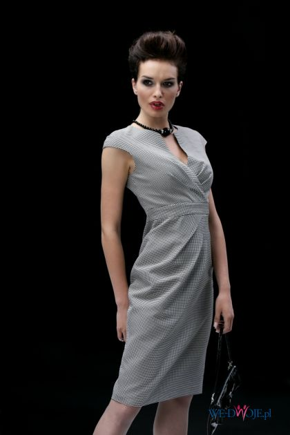 szara sukienka Modesta - jesień/zima 2010/2011
