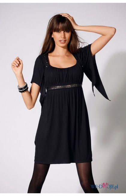 czarna sukienka Halens - trendy na jesień-zimę