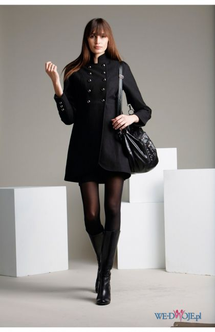 czarny płaszczyk Halens - trendy jesienne