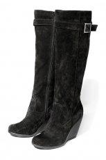 czarne kozaki Reserved z zamszu na koturnie - moda zimowa