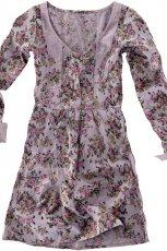 fioletowa sukienka Pull and Bear w kwiaty - jesie�/zima 2010/2011