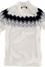 bia�y sweter Pull and Bear we wzory - jesie�-zima 2010/2011