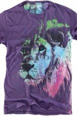 fioletowy t-shirt Pull and Bear z nadrukiem - jesie�/zima 2010/2011